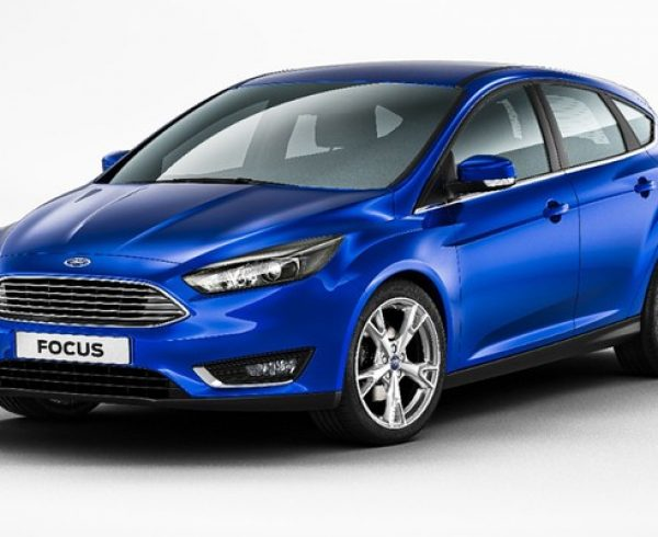 Ford Focus passa por facelift e ganha motor 1.0 Ecoboost fato teto solar