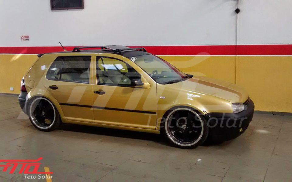 Golf Dourado com Teto Solar H100